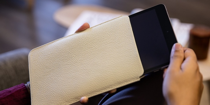 Protective case for iPad Mini - Off-White - Granulated Leather