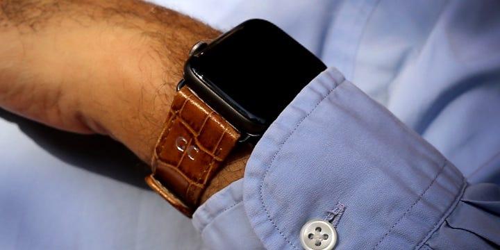 Luxury Apple Watch Band Series 6 / SE - (44 mm) - Camel - Crocodile style calfskin