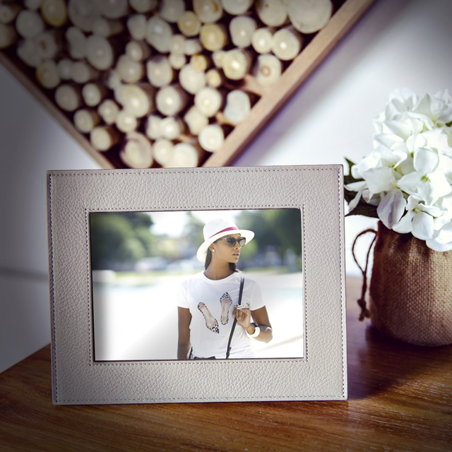 Small picture frame (24 x 19 cm)
